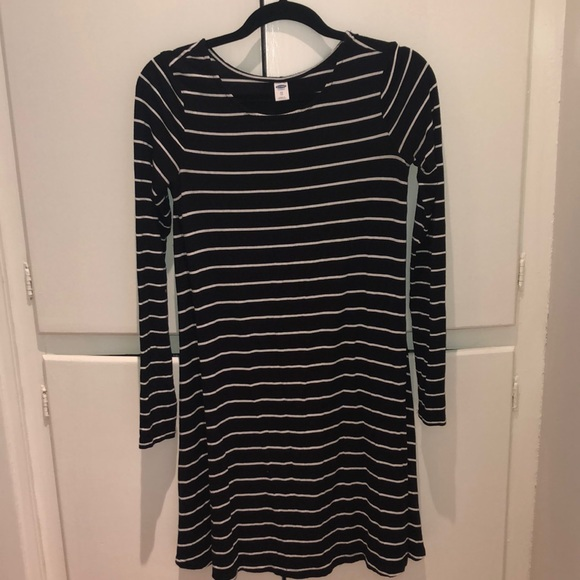 Old Navy Dresses & Skirts - Striped Dress